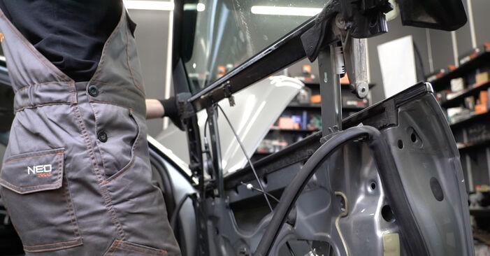 Austauschen Anleitung Fensterheber am Audi A4 B7 Limousine 2004 2.0 TDI 16V selbst