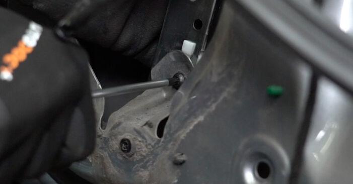 Wechseln Fensterheber am AUDI A4 Limousine (8EC, B7) 2.0 TFSI quattro 2007 selber