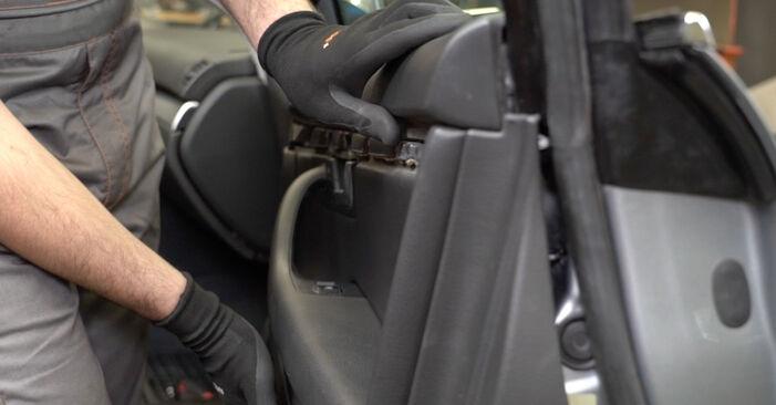 Fensterheber Audi A4 B7 Limousine 2.0 TDI 2006 wechseln: Kostenlose Reparaturhandbücher