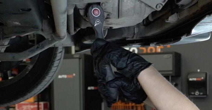Wie schwer ist es, selbst zu reparieren: Ölfilter Audi A4 B7 Limousine 2.0 TFSI 2005 Tausch - Downloaden Sie sich illustrierte Anleitungen