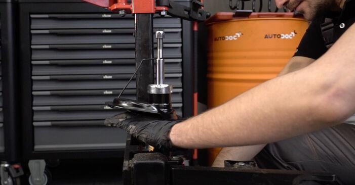 Stoßdämpfer beim PEUGEOT 307 1.6 BioFlex 2009 selber erneuern - DIY-Manual