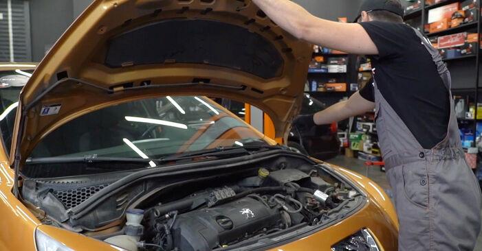 Wie Zündkerzen Peugeot 207 WA 1.4 HDi 2006 tauschen - Kostenlose PDF- und Videoanleitungen