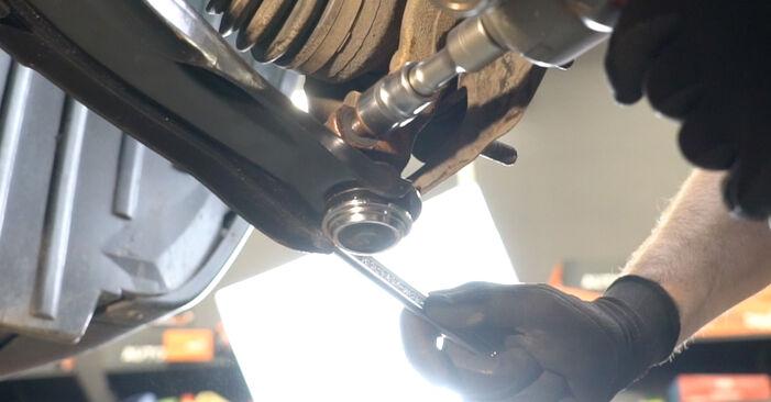 Hvordan bytte NISSAN Qashqai / Qashqai +2 I (J10, NJ10) 1.6 2012 Hjullager selv – veiledning på nettet