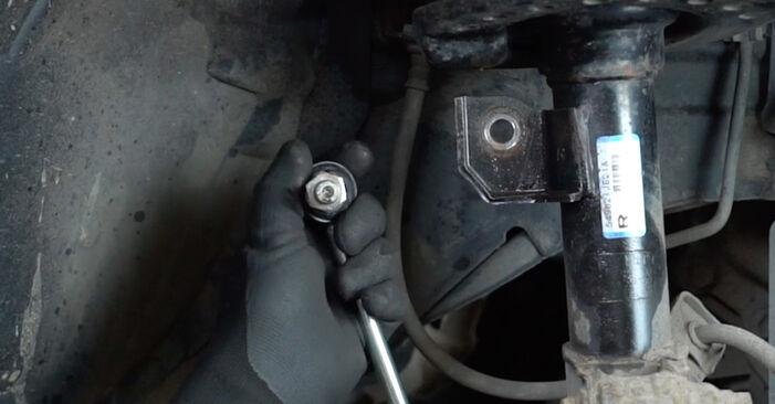 Wie Stoßdämpfer Nissan Qashqai j10 1.5 dCi 2006 tauschen - Kostenlose PDF- und Videoanleitungen
