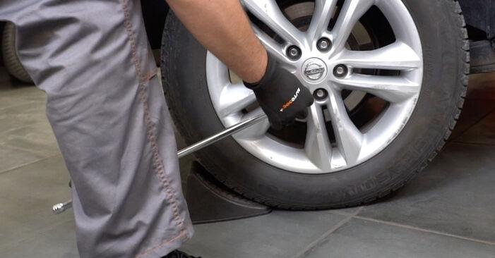 Bremsbeläge Nissan Qashqai j10 1.6 2008 wechseln: Kostenlose Reparaturhandbücher
