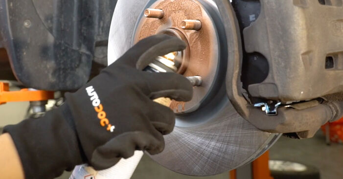 How to replace NISSAN Qashqai / Qashqai +2 I (J10, NJ10) 1.5 dCi 2007 Brake Pads - step-by-step manuals and video guides