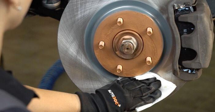 Nissan Qashqai j10 2.0 dCi Allrad 2008 Brake Pads replacement: free workshop manuals