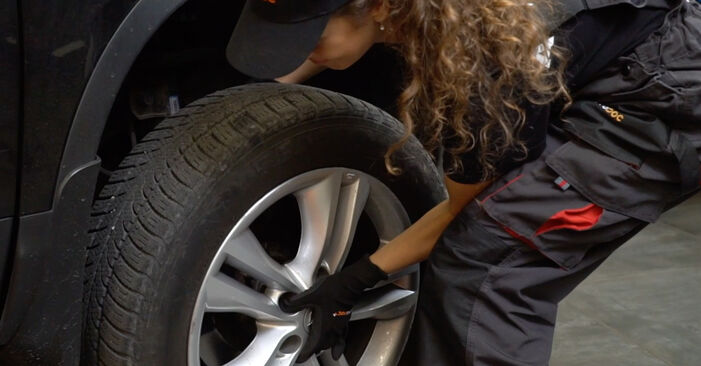 How to remove NISSAN QASHQAI 1.6 dCi 2010 Brake Pads - online easy-to-follow instructions