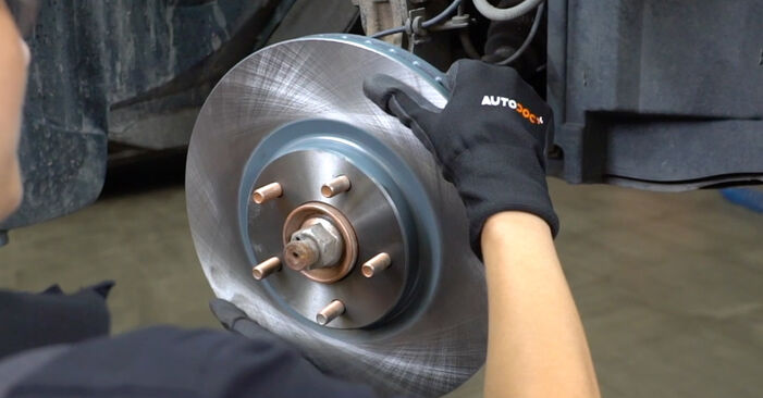 How to change Brake Discs on Nissan Qashqai j10 2006 - free PDF and video manuals