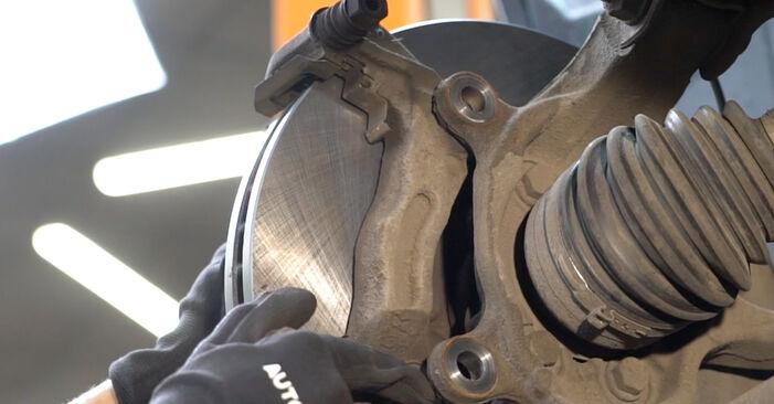 Nissan Qashqai j10 2.0 dCi Allrad 2008 Brake Discs replacement: free workshop manuals