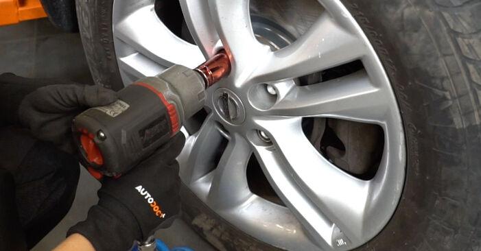 Qashqai / Qashqai +2 I (J10, NJ10) 1.6 dCi 2009 Brake Discs DIY replacement workshop manual
