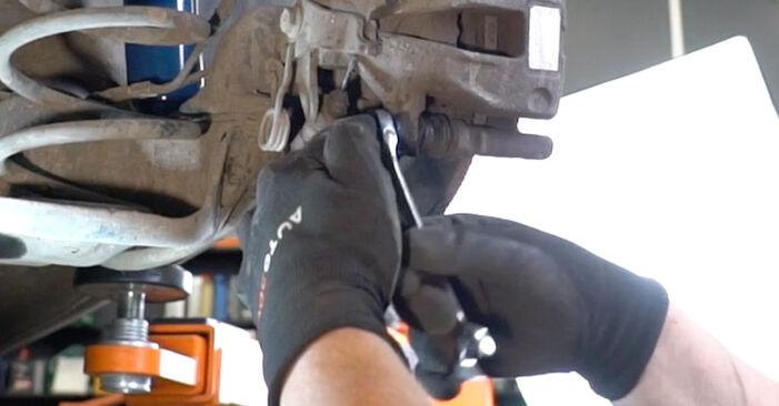 Wie schmierig ist es, selber zu reparieren: Radlager beim Peugeot 207 WA 1.6 16V RC 2012 wechseln – Downloaden Sie sich Bildanleitungen