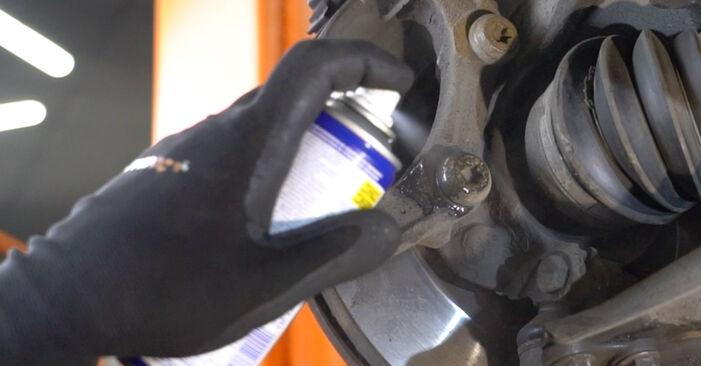 Austauschen Anleitung Bremsscheiben am Peugeot 207 WA 2006 1.4 HDi selbst