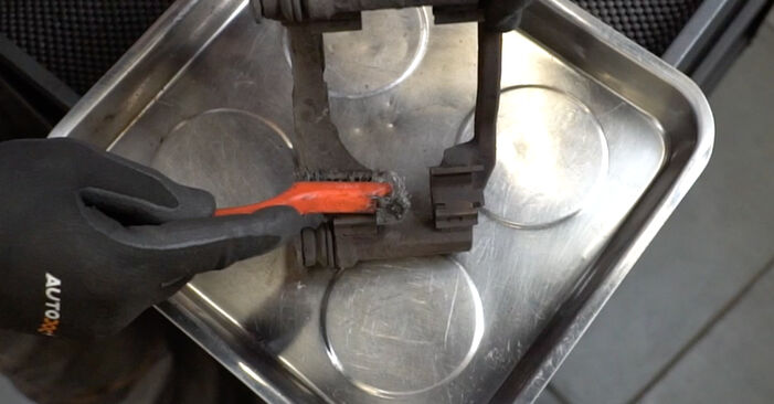 Bremsscheiben am PEUGEOT 207 (WA_, WC_) 1.6 16V 2011 wechseln – Laden Sie sich PDF-Handbücher und Videoanleitungen herunter