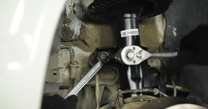 Hoe moeilijk is doe-het-zelf: Stabilisatorstang wisselen VW Multivan T5 2.0 2009 – download geïllustreerde instructies