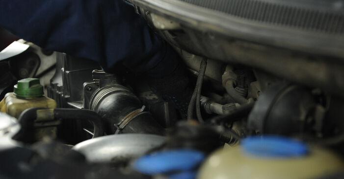 Stap voor stap tips om VW Multivan T5 2003 2.0 BiTDI Luchtfilter zelf te wisselen