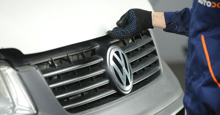 Hoe VW MULTIVAN 2.0 BiTDI 2007 Luchtfilter wisselen - online eenvoudige handleiding