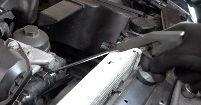 Zweckdienliche Tipps zum Austausch von Wasserpumpe + Zahnriemensatz beim BMW 3 Limousine (E36) 325i 2.5 1995