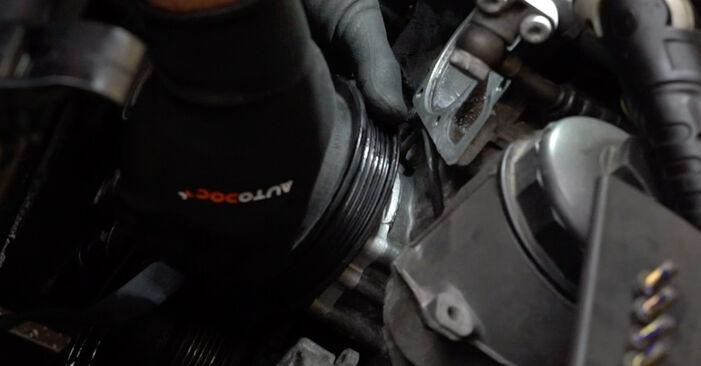 Schritt-für-Schritt-Anleitung zum selbstständigen Wechsel von BMW E36 1994 318i 1.8 Wasserpumpe + Zahnriemensatz