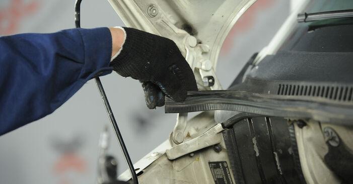 Hoe Schokbrekers VW Multivan V (7HM, 7HN, 7HF, 7EF, 7EM, 7EN) 2015 wisselen – raad en uitleg