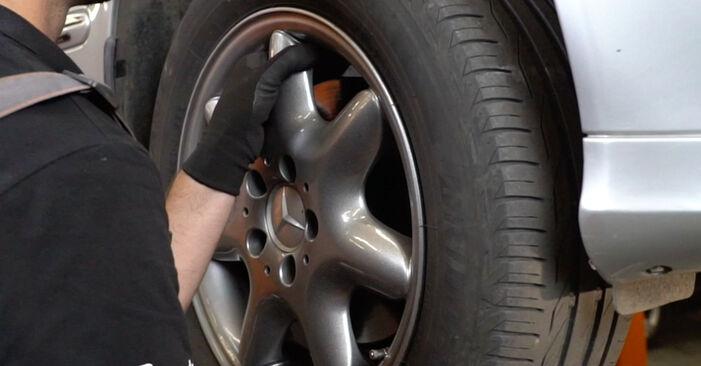 Domlager Ihres Mercedes W203 C 200 1.8 Kompressor (203.042) 2000 selbst Wechsel - Gratis Tutorial