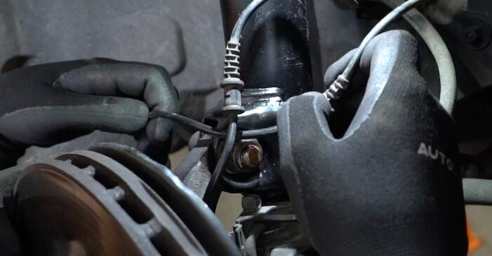 Išsamios Mercedes W203 2005 C 200 CDI 2.2 (203.007) Amortizatorius keitimo rekomendacijos