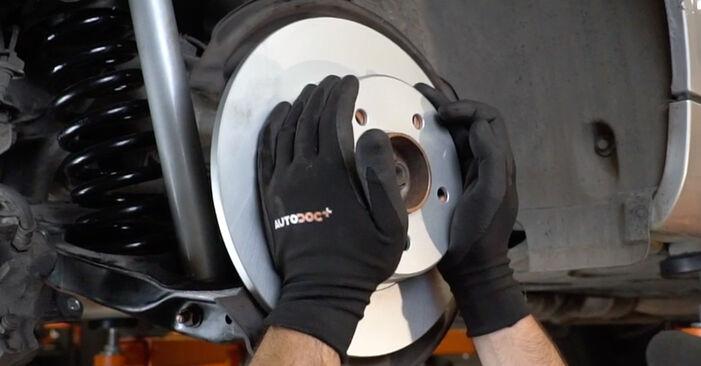 Bremsscheiben Mercedes W203 C 220 CDI 2.2 (203.008) 2002 wechseln: Kostenlose Reparaturhandbücher