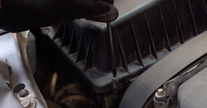 Opel Zafira B 1.8 (M75) 2007 Luftfilter wechseln: Kostenfreie Reparaturwegleitungen