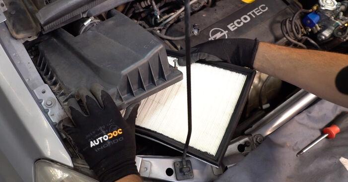 OPEL ZAFIRA 2012 Luftfilter Schrittweise Anleitungen zum Wechsel von Autoteilen