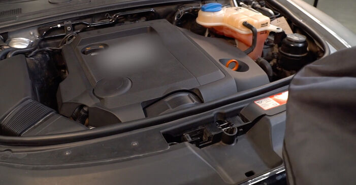 Hvordan skifte AUDI A6 2011 Drivstoffilter trinn–for–trinn veiledning