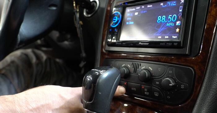 Как се сменя Филтър купе на MERCEDES-BENZ C-класа Седан (W203) 2004 - съвети и номера