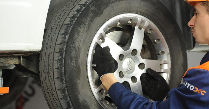 Bremsscheiben T5 Multivan 1.9 TDI 2005 wechseln: Kostenlose Reparaturhandbücher