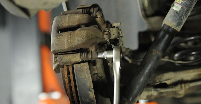 Bremsscheiben beim VW MULTIVAN 2.5 TDI 2010 selber erneuern - DIY-Manual