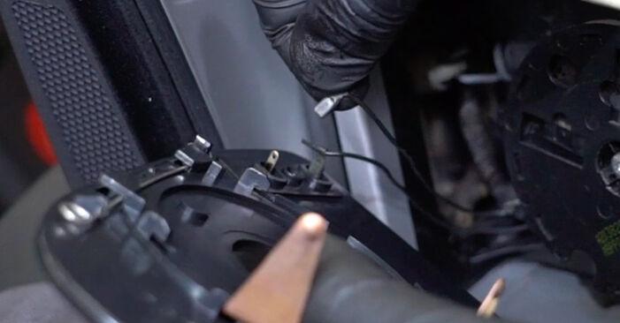 MERCEDES-BENZ E-CLASS 2009 Veidrodelio Stikliukas išsami keitimo instrukcija