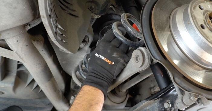 Wie schwer ist es, selbst zu reparieren: Federn Mercedes W211 E 320 CDI 3.0 (211.022) 2008 Tausch - Downloaden Sie sich illustrierte Anleitungen