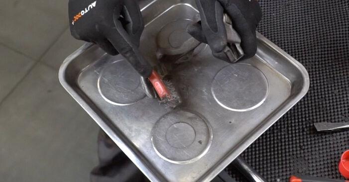 Svépomocná výměna Brzdovy kotouc na autě Mercedes W211 2004 E 220 CDI 2.2 (211.006)