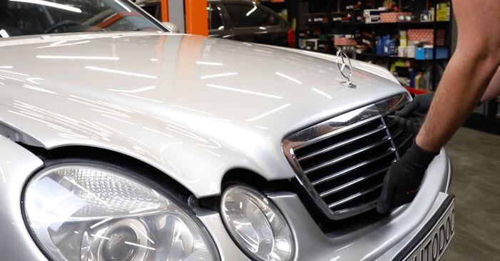 Wie Federn Mercedes W211 E 220 CDI 2.2 (211.006) 2002 tauschen - Kostenlose PDF- und Videoanleitungen
