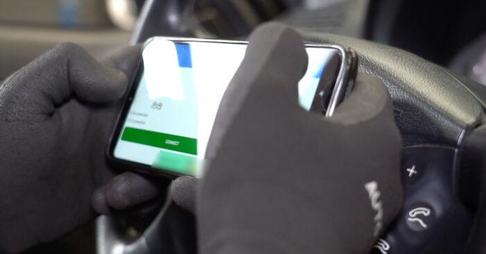 Стъпка по стъпка препоруки за самостоятелна смяна на Mercedes W211 2007 E 280 CDI 3.0 (211.020) Спирачни Накладки