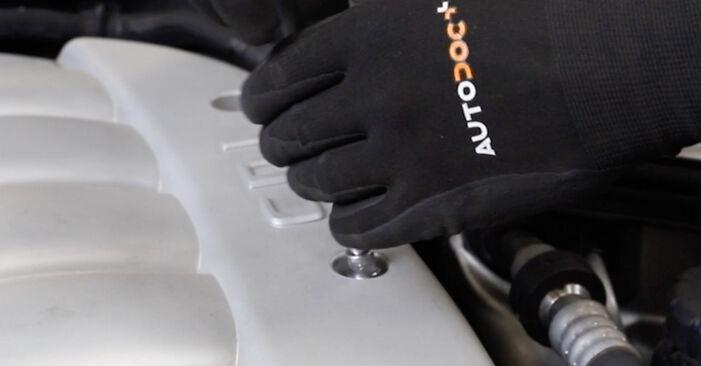 Wechseln Sie Keilrippenriemen beim MERCEDES-BENZ E-Klasse Limousine (W211) E 220 CDI 2.2 (211.008) 2005 selbst aus