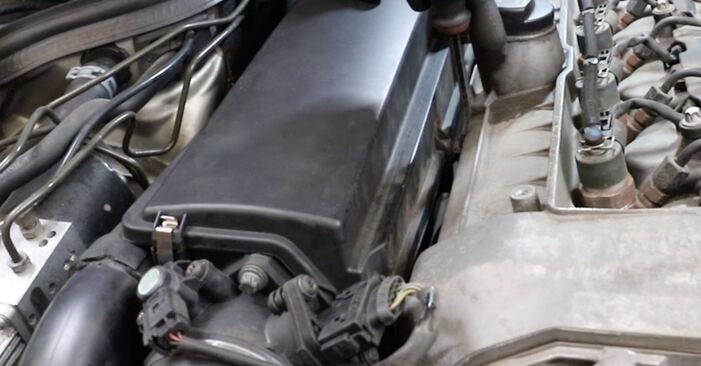 Stap voor stap tips om Mercedes W211 2007 E 280 CDI 3.0 (211.020) Luchtfilter zelf te wisselen