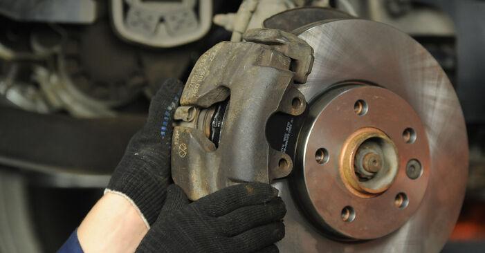 Išsamios VW Multivan T5 2003 2.0 BiTDI Stabdžių diskas keitimo rekomendacijos