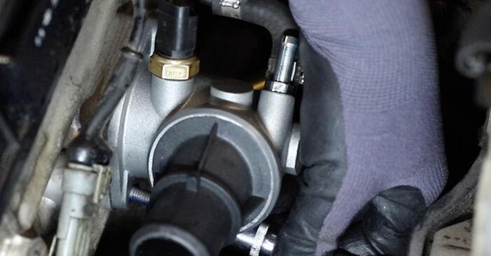 Thermostat beim ALFA ROMEO 147 1.9 JTDM (937.AXD1A, 937.AXV1A, 937.BXB1A) 2007 selber erneuern - DIY-Manual