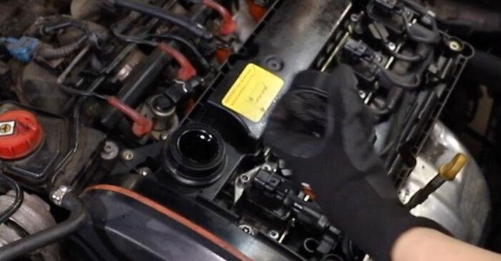 Zündkerzen beim ALFA ROMEO 147 1.9 JTDM (937.AXD1A, 937.AXV1A, 937.BXB1A) 2007 selber erneuern - DIY-Manual