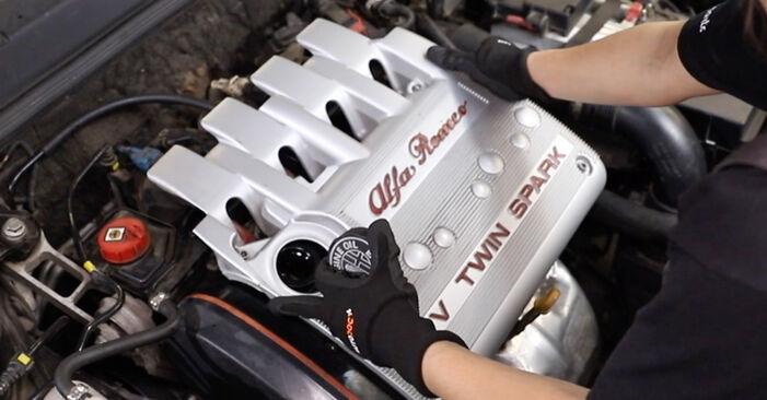 Zündkerzen Ihres Alfa Romeo 147 937 3.2 GTA (937.AXL1) 2008 selbst Wechsel - Gratis Tutorial