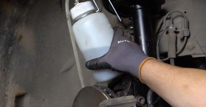 Zweckdienliche Tipps zum Austausch von Bremssattel beim OPEL Astra H Limousine (A04) 1.3 CDTi (L69) 2004