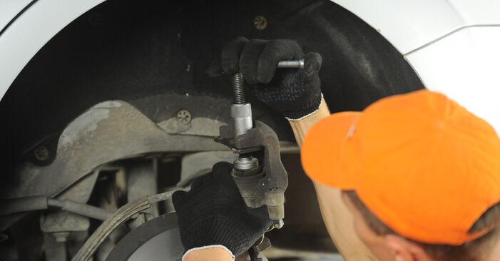 Bremsscheiben beim FORD FOCUS 1.8 2012 selber erneuern - DIY-Manual