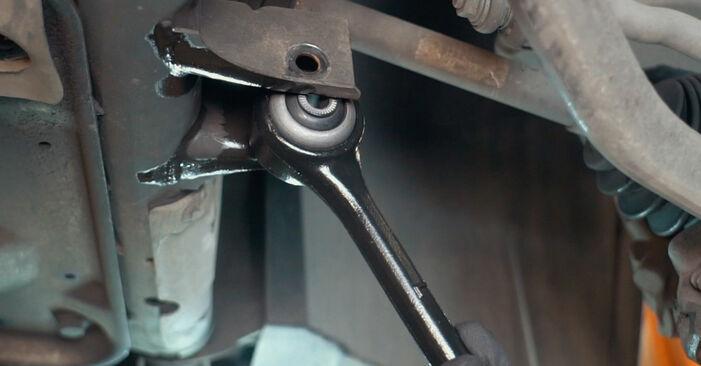 X3 (E83) 3.0 sd 2005 Control Arm DIY replacement workshop manual