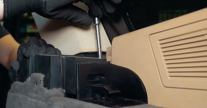 Replacing Strut Mount on BMW X3 E83 2004 2.0 d by yourself