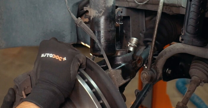 Wie BMW X3 3.0 sd 2007 Stoßdämpfer ausbauen - Einfach zu verstehende Anleitungen online