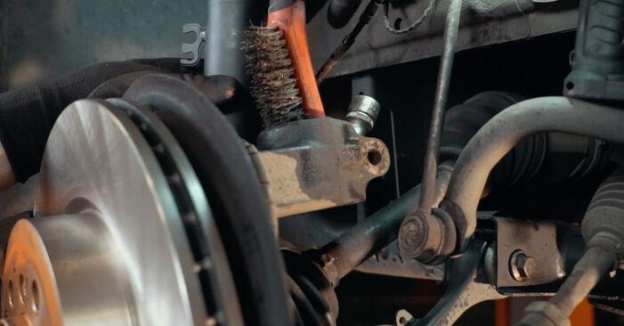 Tausch Tutorial Stoßdämpfer am BMW X3 (E83) 2006 wechselt - Tipps und Tricks